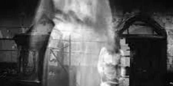 Le ultime sull'Infermiere: il Karma della ramazza e l'entità spettrale